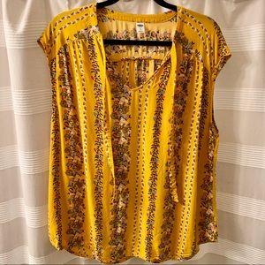 Beautiful mustard colored top!